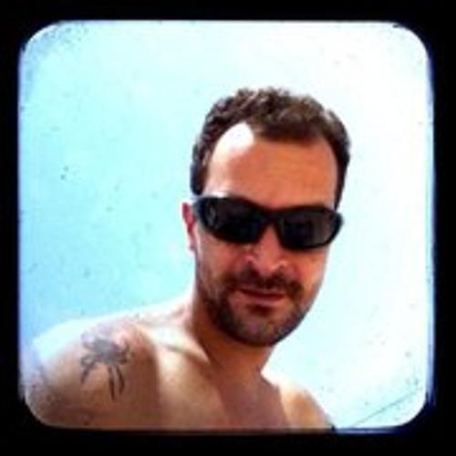 Chico Manobela's avatar