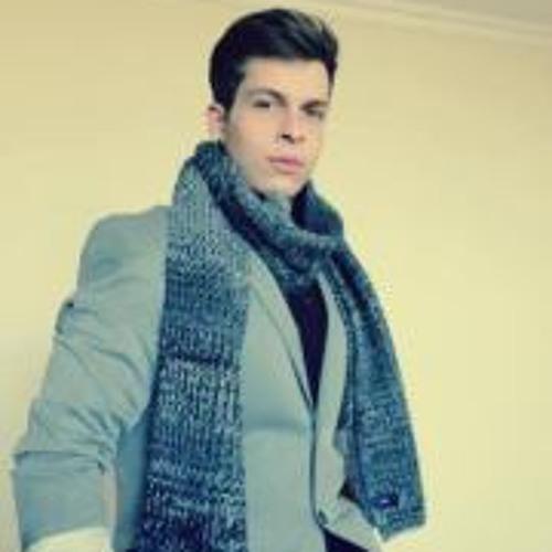 Daniel Latif's avatar