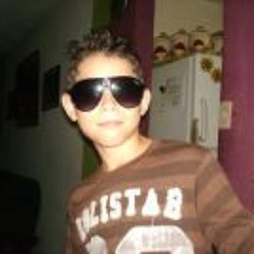 Adryan Montilla's avatar
