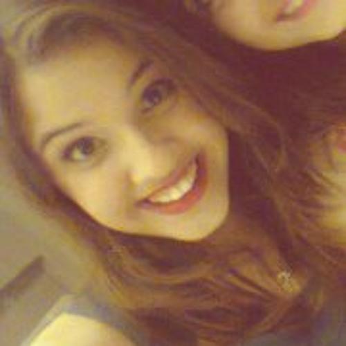Tainá Queiroz's avatar