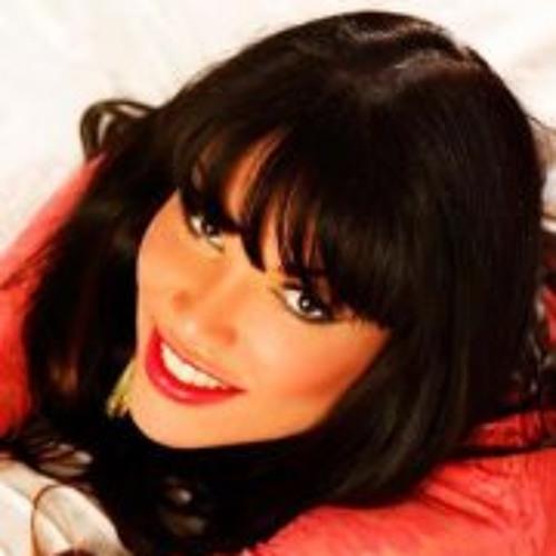 Giseli Santos's avatar
