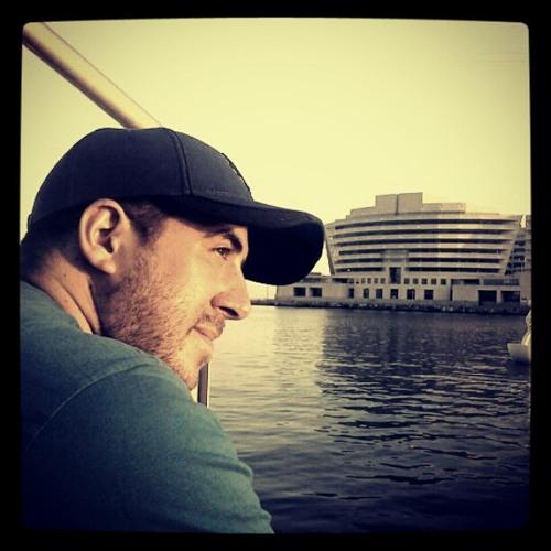 Raul Mardito's avatar