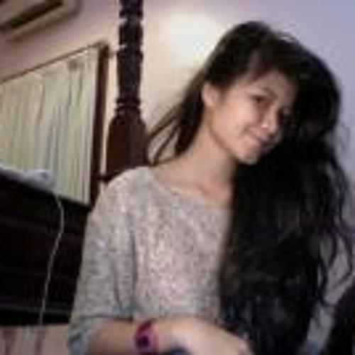 nadiraclarissa's avatar