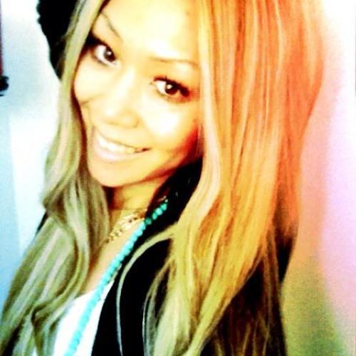 lil miss Beee's avatar