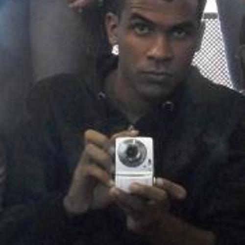 Hoton Esteves's avatar
