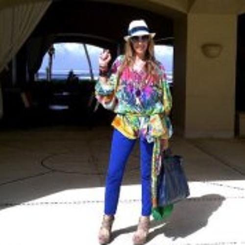 Carmen Arias A's avatar