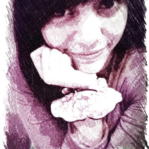 auliaarhyndi's avatar