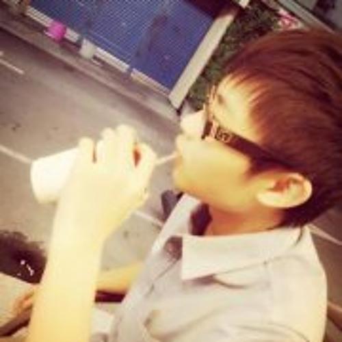 陳昱任CHEN's avatar