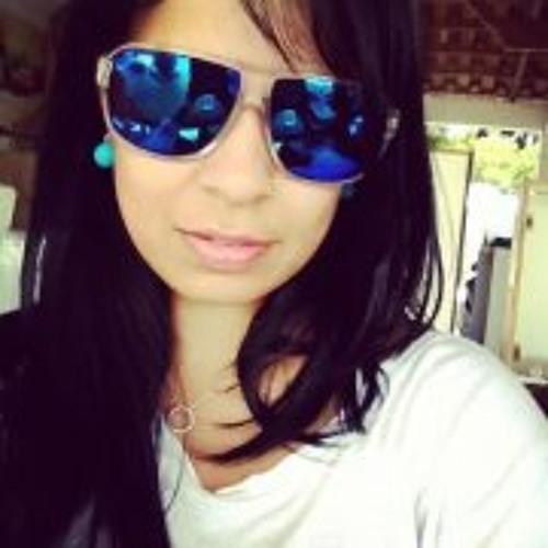 Miriam Nascimento's avatar