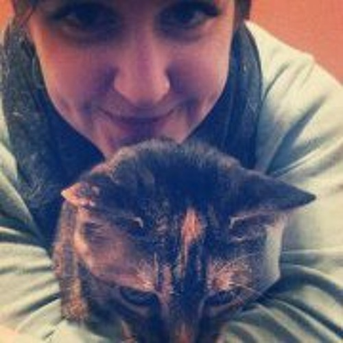 Claudia Dawson's avatar