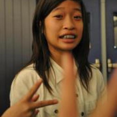 Elizabeth Nguyen 5's avatar