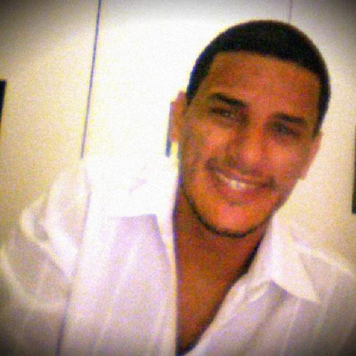 Julio Anchieta's avatar
