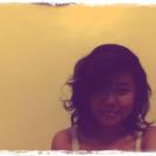 Yanie Yan's avatar