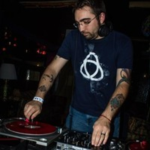 DJ_ MysterE (Eli Powell)'s avatar