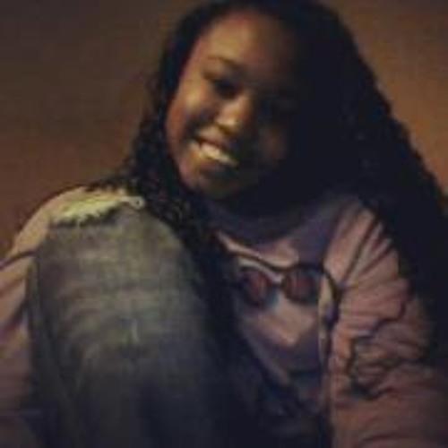 Shay Short Green's avatar
