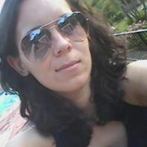 Karen Caroline's avatar