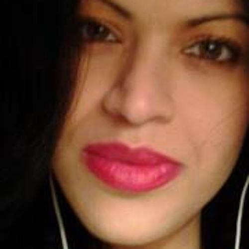 Reyna Walter's avatar
