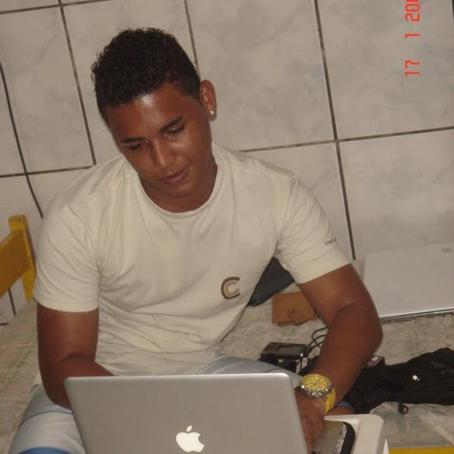 Rodrigo Delfino's avatar