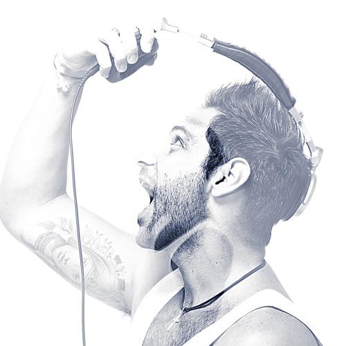 MAX DAGUANO's avatar