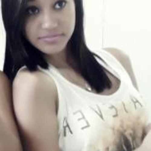 Thalissa Tavares's avatar