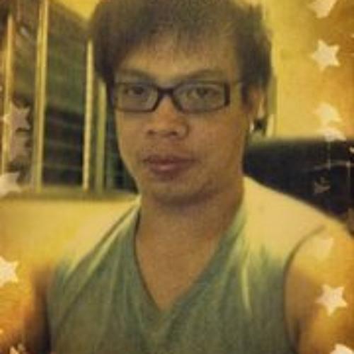 Bob Ong's avatar
