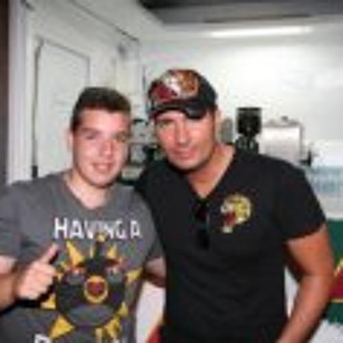 Dany Rivera 3's avatar