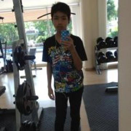 P'GeeGi Pongsathon's avatar