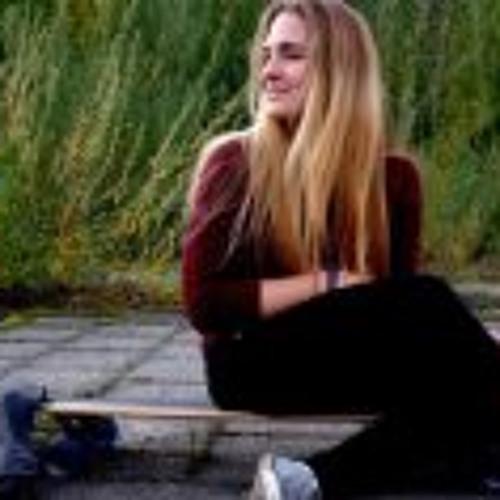 Viktoria Molnar 2's avatar
