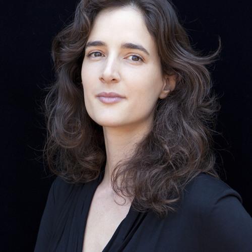 Carol Trilíngue's avatar