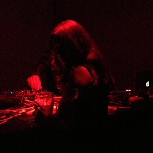 Monika M's avatar