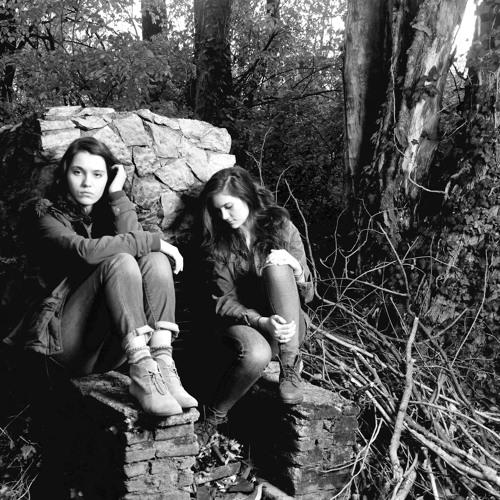 Lily & Madeleine's avatar