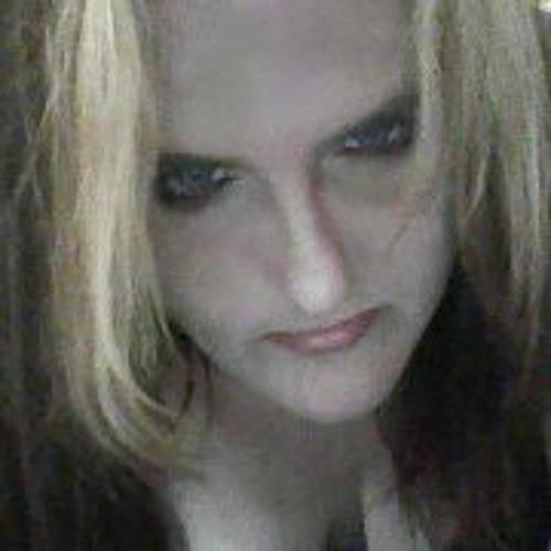 Kellie Raine's avatar