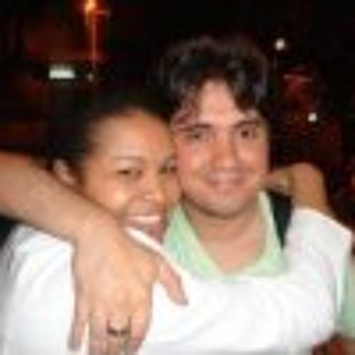 Renata Oliveira 30's avatar