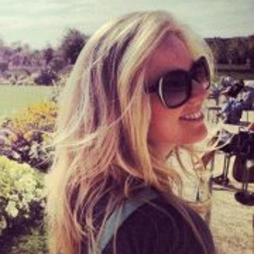 Claudia Andrade 13's avatar