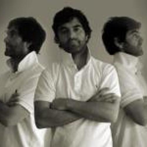Christian Redecen-Davies's avatar