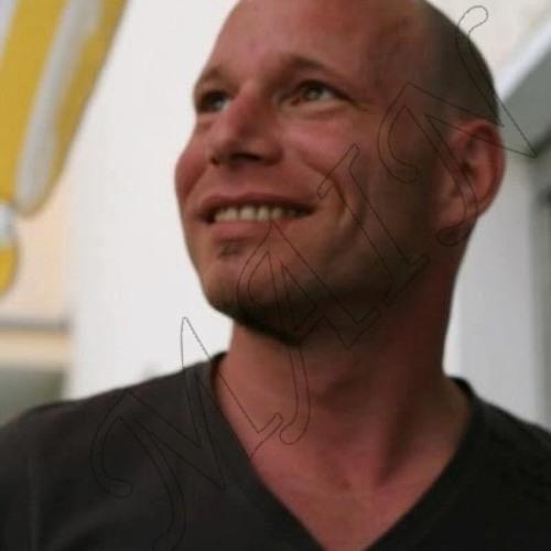 mikemloungemain's avatar