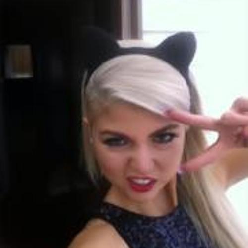 Lynda Caroline Gajardo's avatar