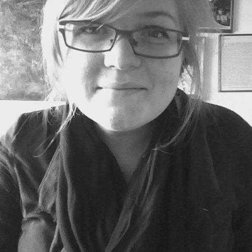 Lizzie Petra's avatar