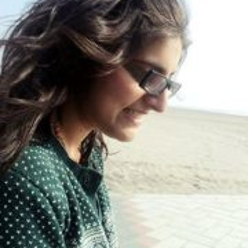 Komal Feroz's avatar