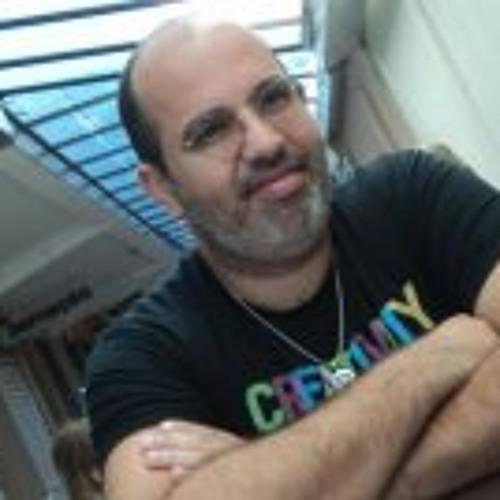 Maximiniano Eduardo's avatar