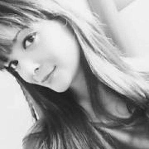 Karen Cristine's avatar