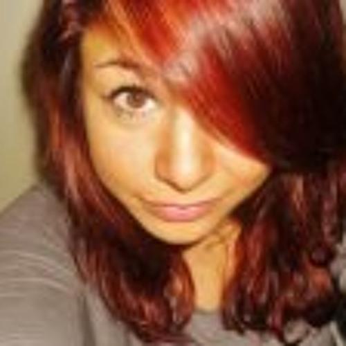 Lara Lario's avatar