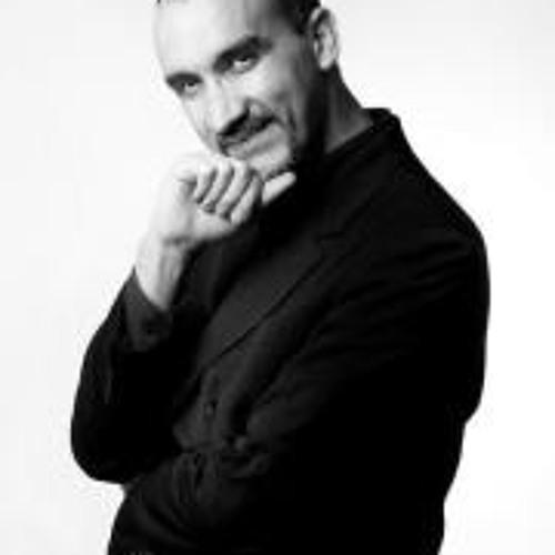 Roberto Calleja's avatar