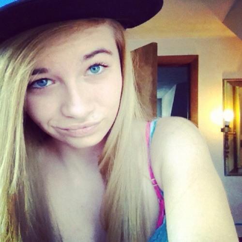 Lyndsay0756's avatar