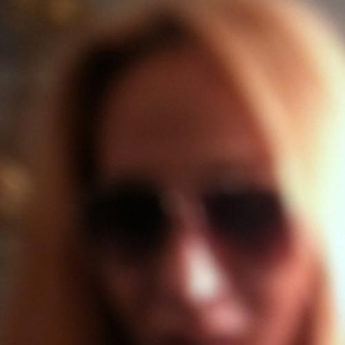 Leonie 13's avatar