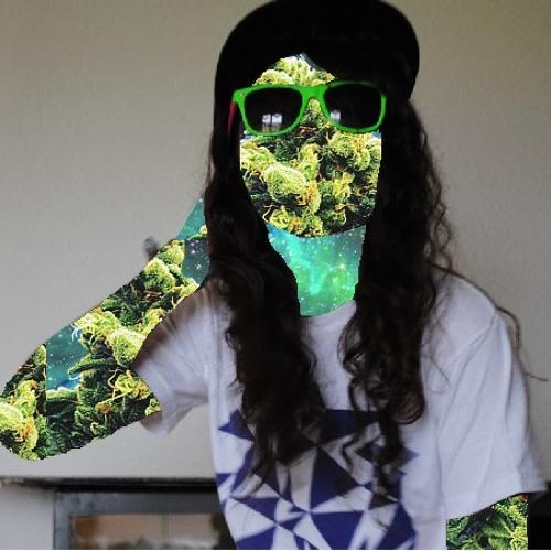 nicolehefti's avatar