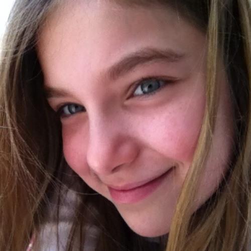 Júlia Oliva's avatar