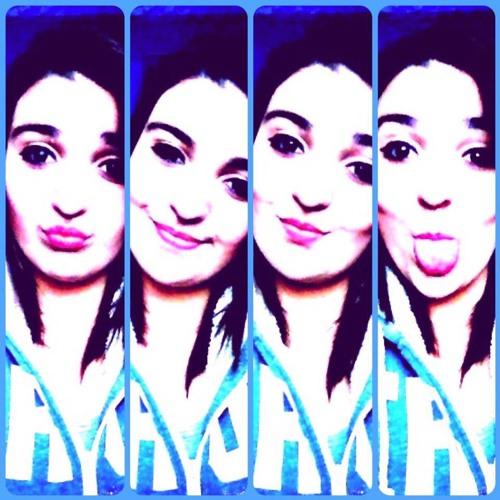 Monia Momo's avatar