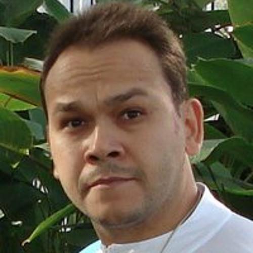 Carlos Guimarães Almeida's avatar