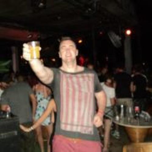 Pete Davies 8's avatar